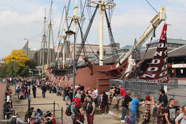 Image Crowds at Tobacco Dock pirate ship in September 2011