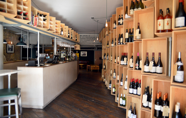 Victualler wine bar in wapping